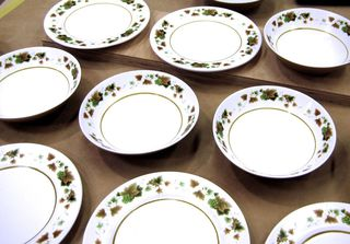 Breakable dinnerware