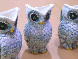 breakable owl vases